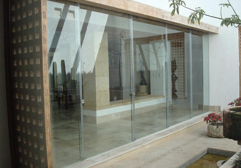 Perete in vetro